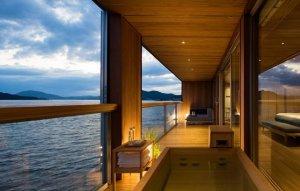 بزرگترین هتل شناور