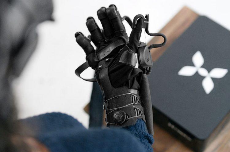 دستکش واقعیت مجازی, بافت دستکش واقعیت مجازی, بافت پارچه, رشته های فلزی
