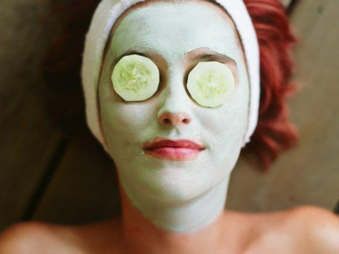 استفاده از ماسک برای جلوگیری از خشکی پوست در زمستان
