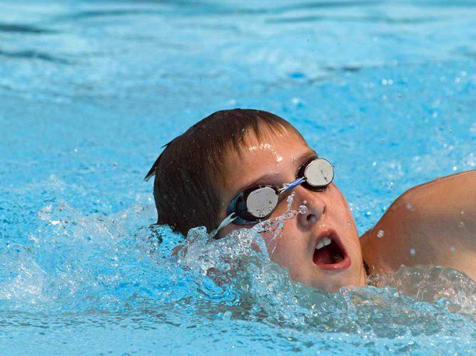 شنا ورزش نوجوانان و کودکان