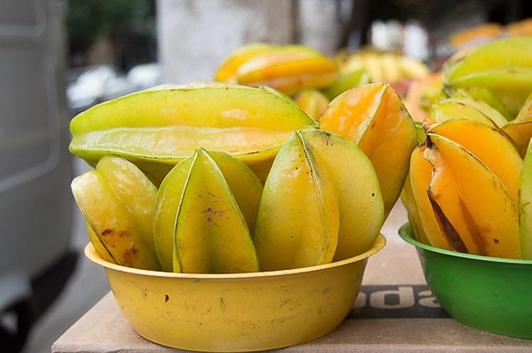 میوه کارامبولا