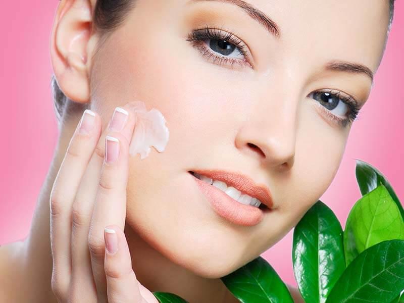 جلوگیری از چروک شدن پوست با کرم ضدچروک
