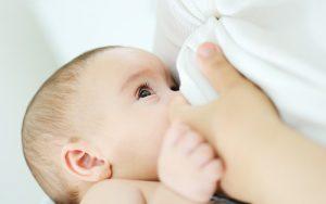 اهمیت شیرمادر و نکاتی در مورد غذای نوزادان و کودکان