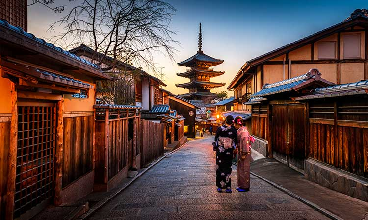خیابان و نمای معماری ژاپنی