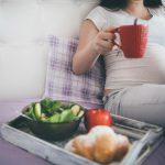 تغذیه مناسب در بارداری – مواد مغذی مورد نیاز دوران بارداری را از طریق خوردن چه غذاهایی می توان تامین کرد ؟