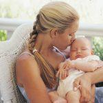 انجام چه کارهایی برای نگهداری و مراقبت از نوزاد و حفظ سلامت او الزامی است؟
