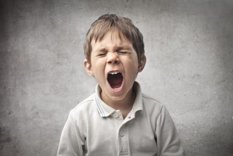پرخاشگری در کودکان ؛ چگونه عصبانیت و پرخاشگری را در کودکمان درمان کنیم؟